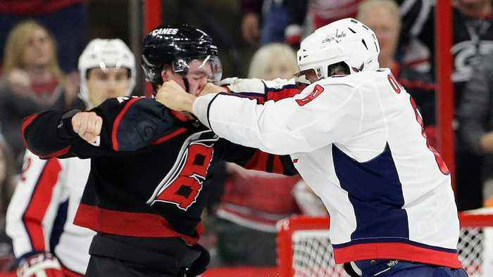 Alex Ovechkin Knoced Out A 19-year-Old In His First Fight In A Decade