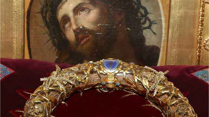 Fearless Priest Entered Notre-Dame To Rescue Crown Of Thorns Relic Amid Fire