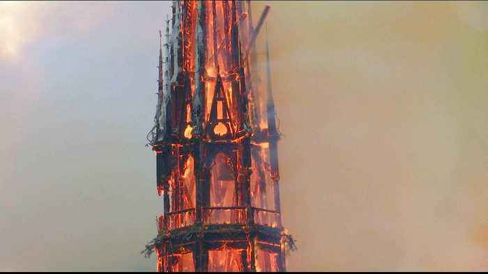 Notre Dame fire: Russia, Japan and the Vatican offer help