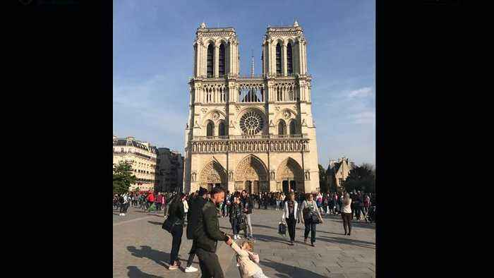 Heartwarming picture taken just before Notre Dame's fire has gone viral | #TheCube