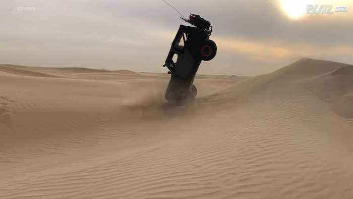 Driving in the middle of Dubai's dunes get complicated...