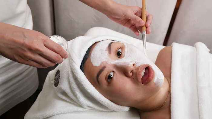 A Relaxing Facial In Singapore