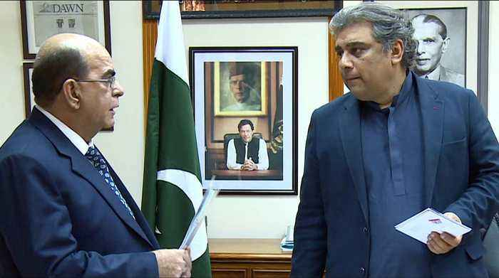 Pakistan PM commits investment in Karachi port to boost trade