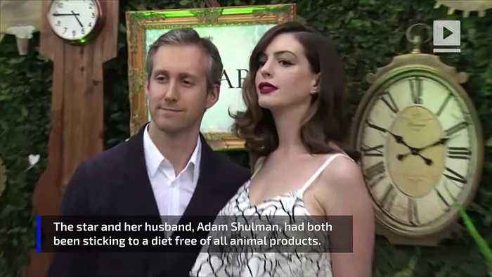 Anne Hathaway Quit Veganism After Dinner With Matt Damon