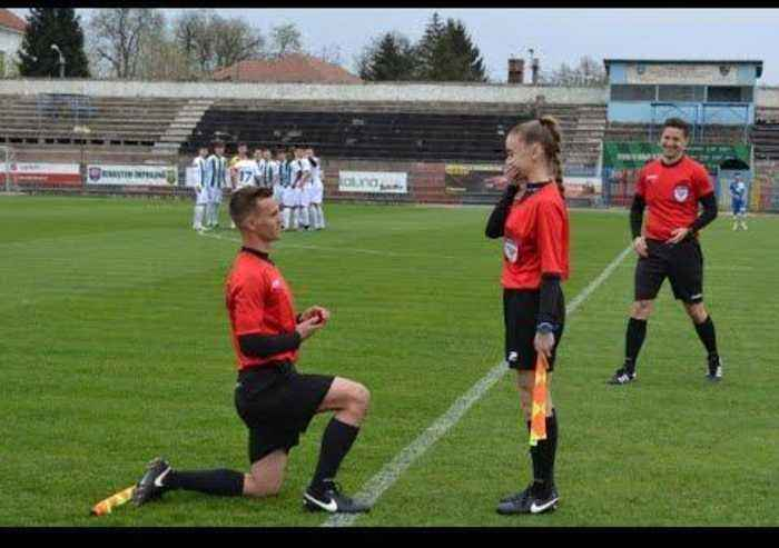 Assitant Referee Proposes to Girlfriend before Soccer Game