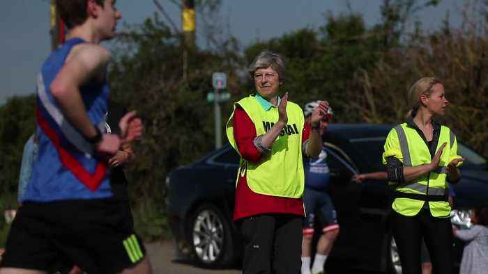 Theresa May marshals Easter race in Maidenhead