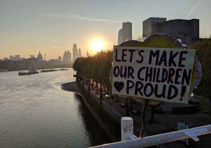 Extinction Rebellion Protesters Camp Out Overnight on Waterloo Bridge