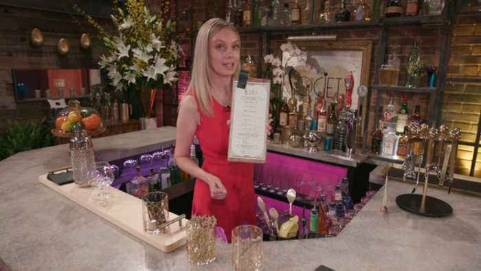 Melissa Ordway Gives Fans A VIP Tour Of The Hippest Club In Genoa City
