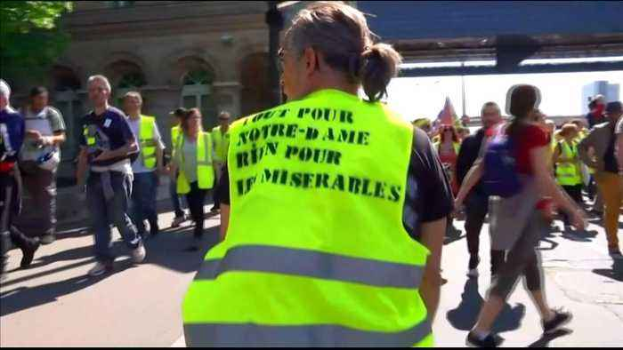 Notre Dame fire pledges inflame yellow vest protesters