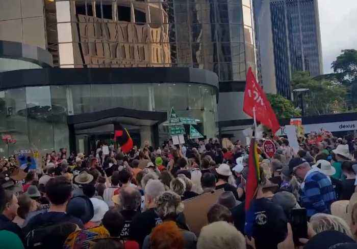 Candidate Records End of Former Greens Leader's Speech at Stop Adani Protest in Brisbane