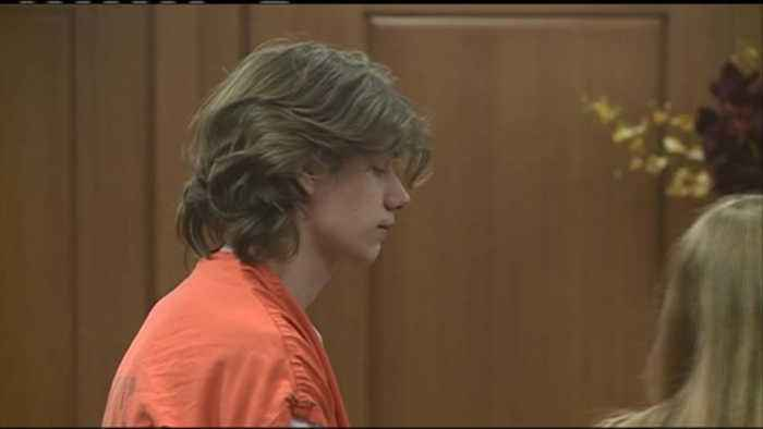 Onalaska man reportedly stabbed by adult son