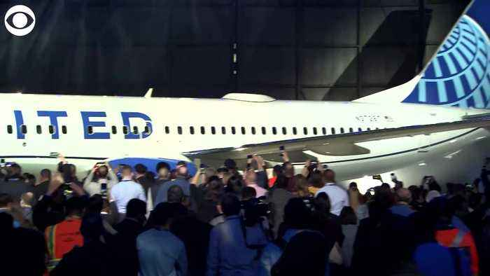 WEB EXTRA New Look For United Planes
