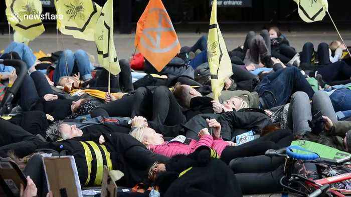 Now UK climate protesters Extinction Rebellion stage 'die-in' outside famed Tate Modern museum