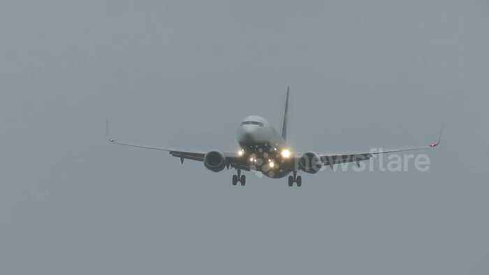 Planes struggle to land at Liverpool John Lennon Airport in Storm Hannah winds