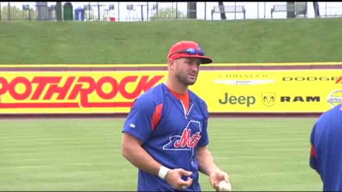 Tebow In Town To Play Pigs