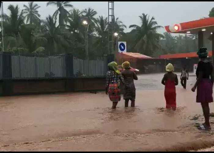 More Rain Forecast as Cyclone Kenneth Leaves Thousands Displaced in Mozambique