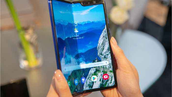 Samsung Sinks As Fold Phone Waits