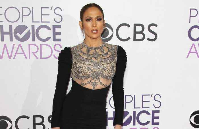 Jennifer Lopez apologised to friends after becoming a mother