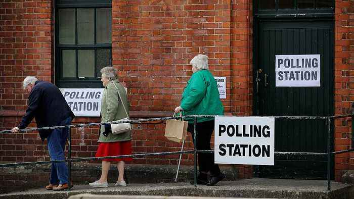 Has handling of Brexit penalized Conservative and Labour parties in local elections?