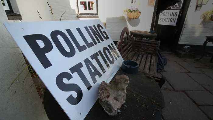Local elections: Tories and Labour suffer losses