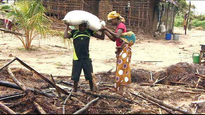 Cyclone Kenneth survivors struggle for food and supplies
