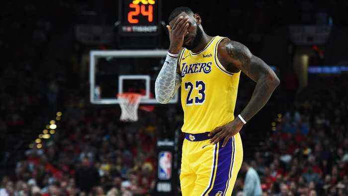 Should LeBron James Request a Trade From Lakers?