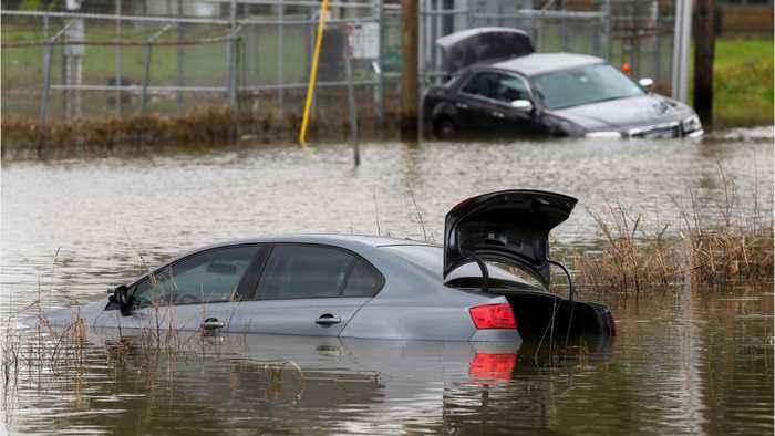 Heavy Rain And Widespread Power Outages Hit Southeast Texas, Louisiana