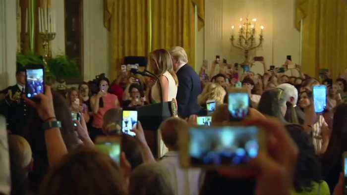 Trumps thank military moms ahead of Mother's Day
