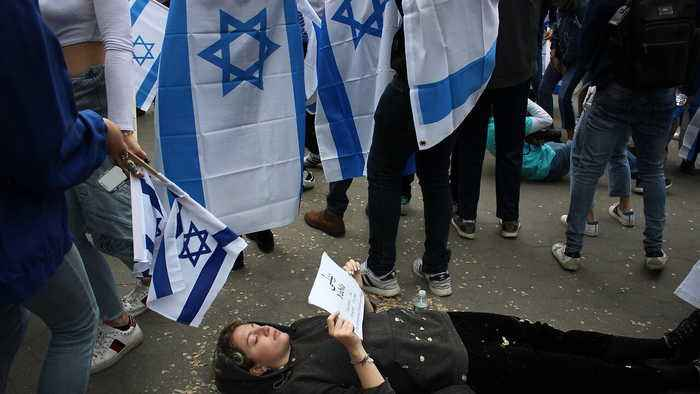 Pro-Palestine Students Stage 'Die-In' During Israeli 'Rave' Event at NYU