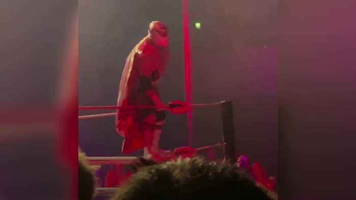Mexican wrestler Silver King dies at London show