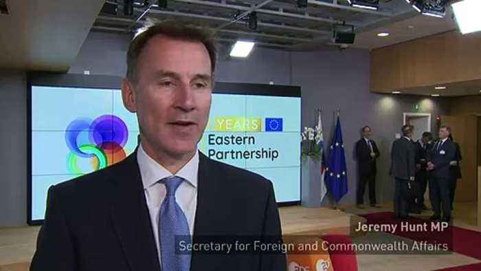 Hunt: Government talking with Labour in Brexit 'crunch week'