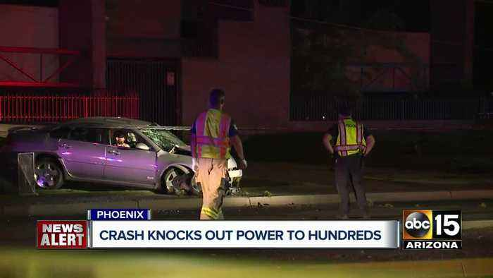 Crash knocks out power to thousands in Phoenix