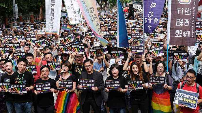 Taiwan's LGBT community protests ahead of parliament vote