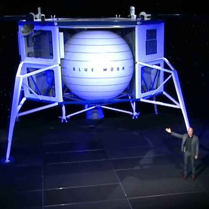 Jeff Bezos says this lunar lander will put Americans on the moon by 2024