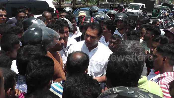 Sri Lankan police confronts angry mob following spate of violence against Muslims