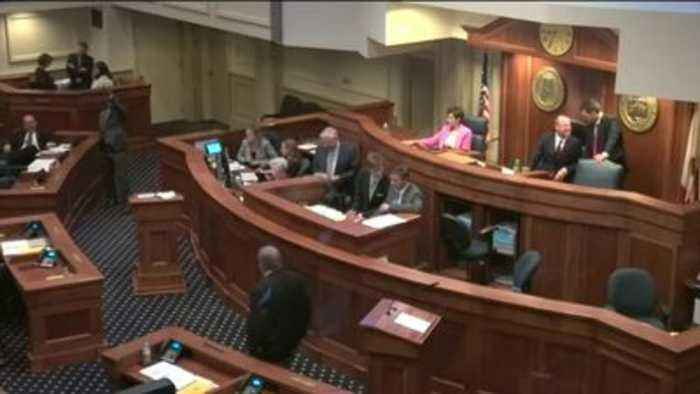 Alabama Lawmakers Vote to Effectively Ban Abortion in State