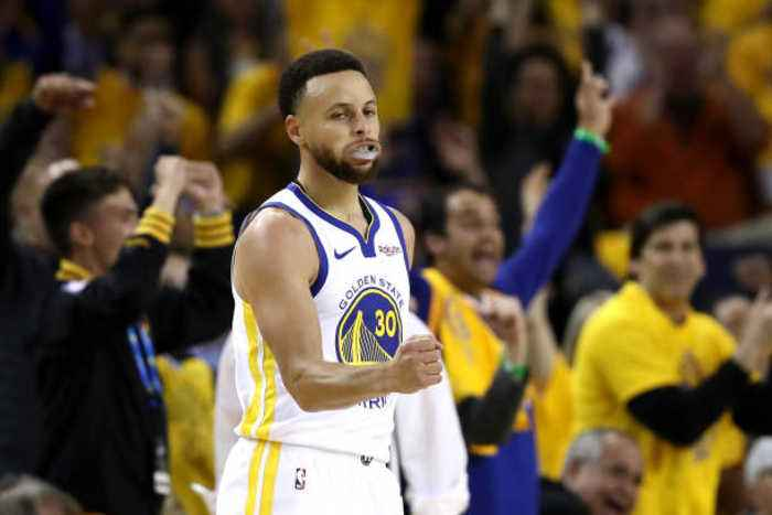Steph Curry Leads Warriors to Game 1 Win Over Blazers