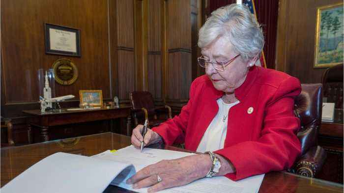 Abortion rights activists fight new abortion law in Alabama