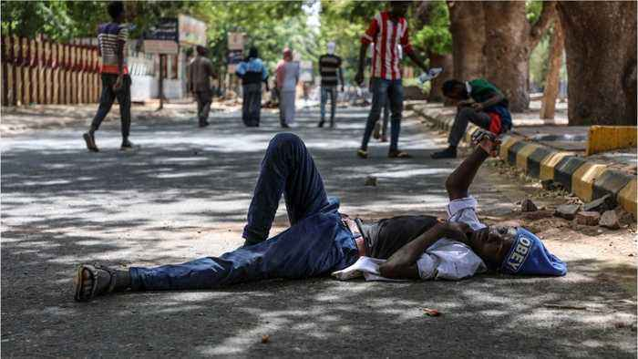 At least 9 people injured after sudanese forces storm barricades at protest