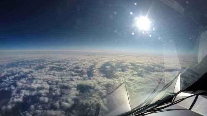 Incredible Flightlapse – Cockpit Footage Shows 11 Hour Flight In 4 Minute Time-lapse