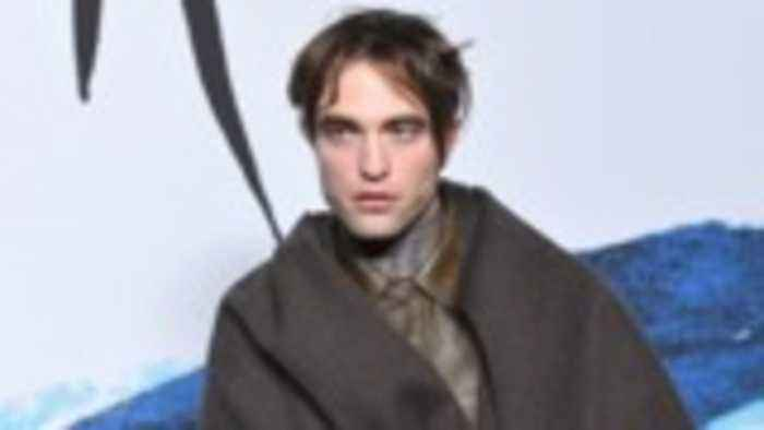Robert Pattinson Is the Top Contender to Play Batman in Upcoming DC Movie | THR News