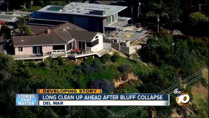 Del Mar bluff collapses feet from ocean view homes