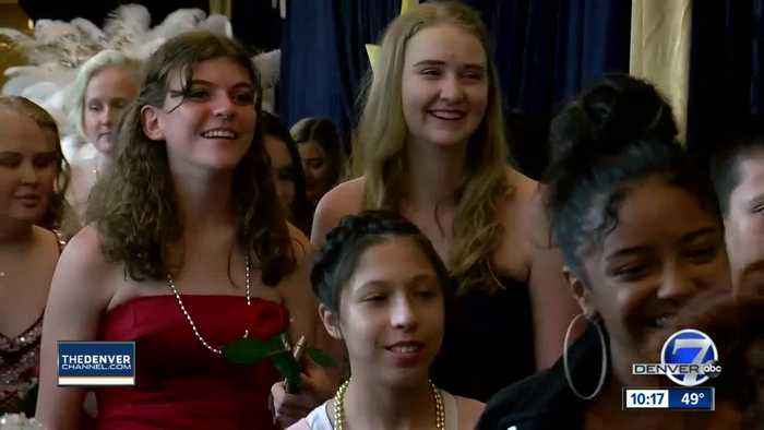 Children's Hospital teens get to celebrate prom