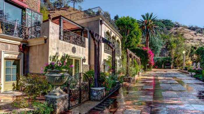 You Can Now Spend A Night In Houdini's Hollywood Hills Home