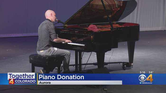 Isaac Slade Of The Fray Helps Music Class In Aurora