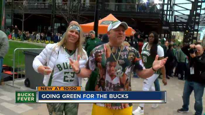 Fans show off their Milwaukee Bucks dedication at Game 2