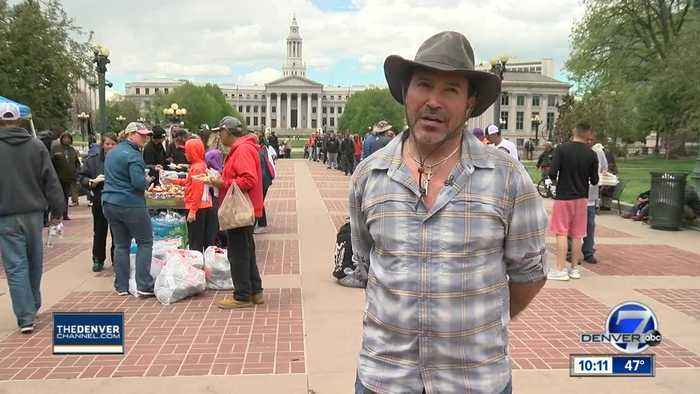 Denver Good Samaritan hosts BBQ for homeless to spread message of hope