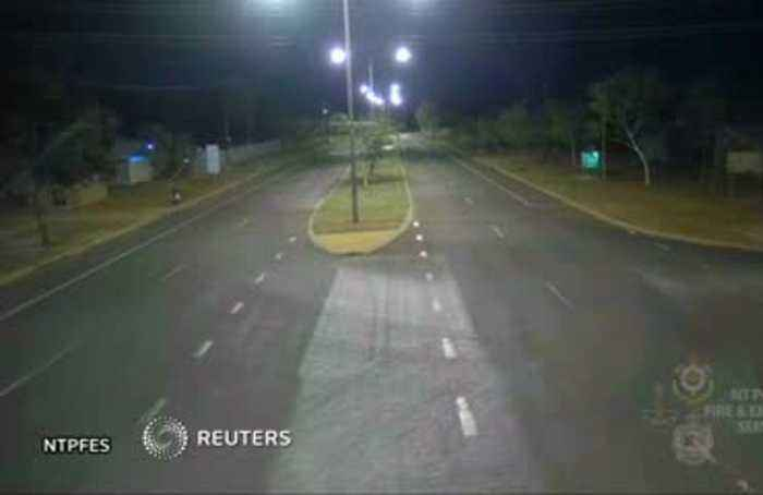 Meteor flashes across Northern Territory's sky in Australia