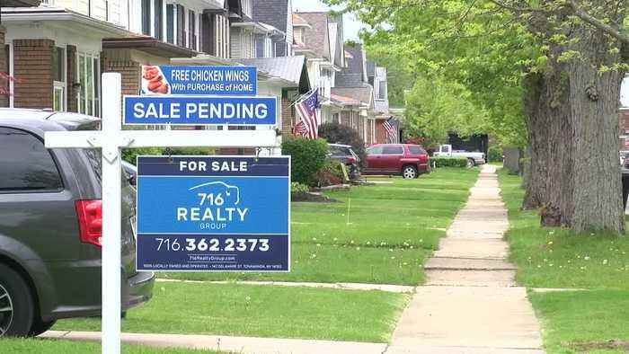 Hot wings and a hot housing market