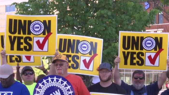 UAW files new union election request for Volkswagen, asks for vote in June